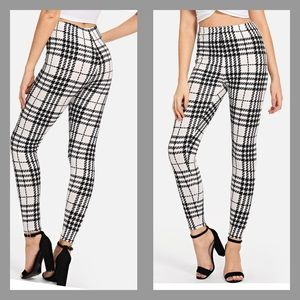 Pants - Plaid Ankle Leggings - White with Black Print